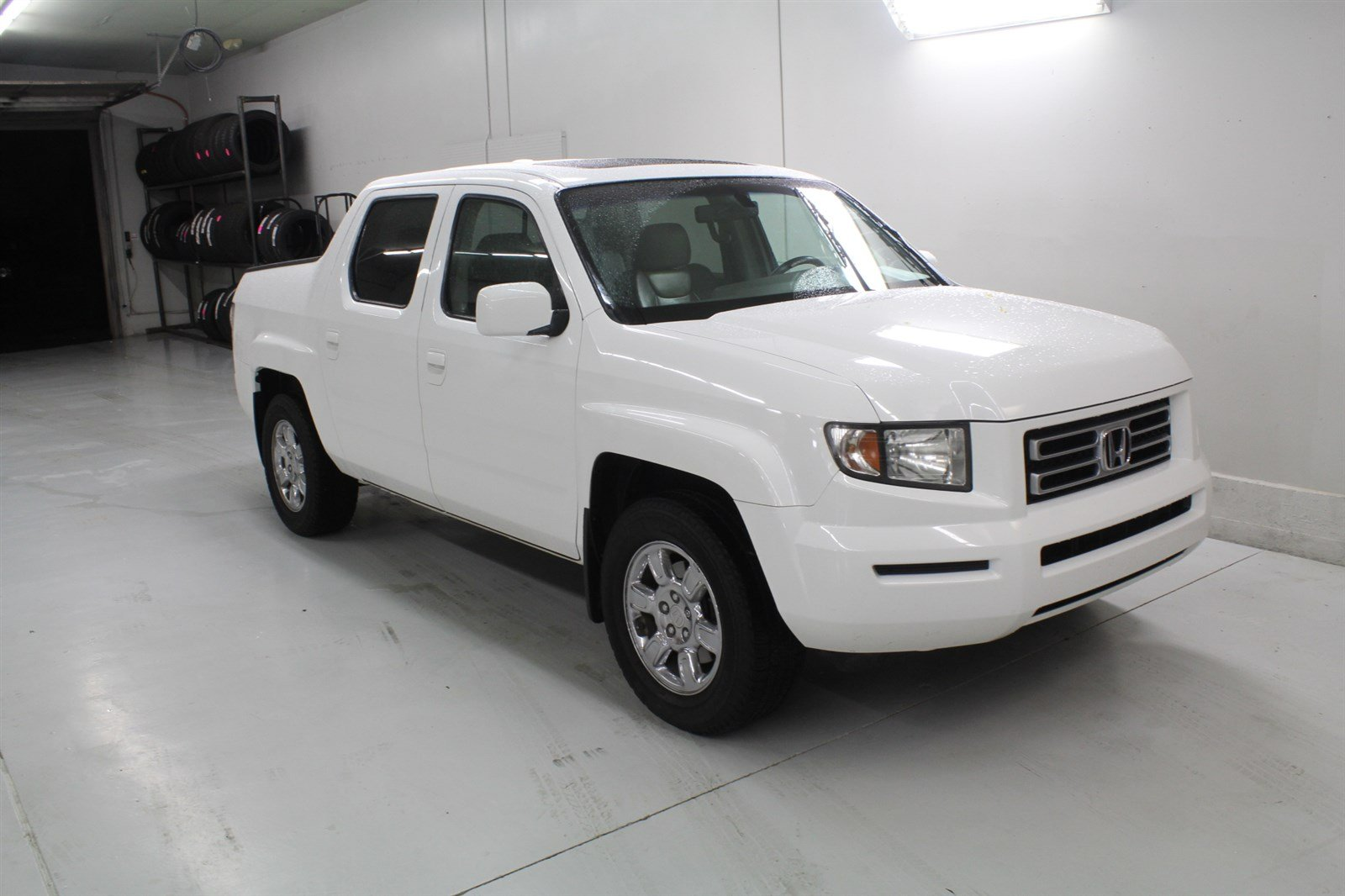 Pre Owned 2006 Honda Ridgeline Crew Cab RTL With MOONROOF 4x4